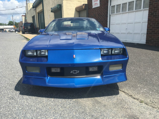 1991 chevrolet camaro z28 iroc z convertible 2 door 5 0l for sale photos technical. Black Bedroom Furniture Sets. Home Design Ideas