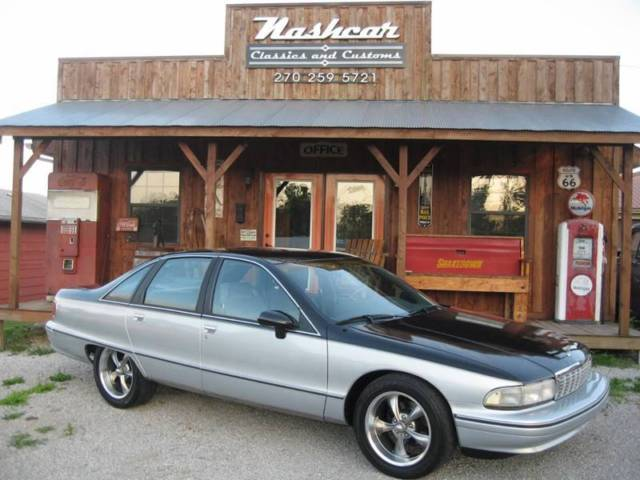 1991 Chevrolet Caprice Classic 4dr Sedan Sedan 4-Door Automatic 4-Speed