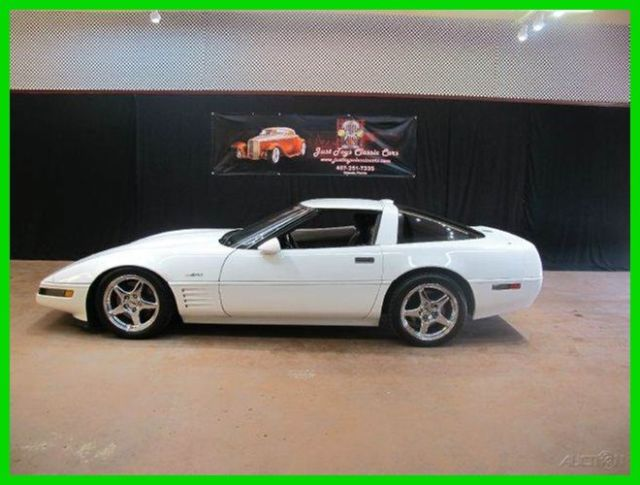 1991 Chevrolet Corvette ZR1 2dr Hatchback