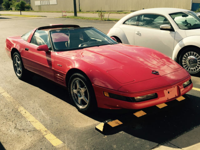 1991 Chevrolet Corvette Base Hatchback 2-Door