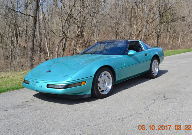 1991 Chevrolet Corvette 2 DOOR COUPE