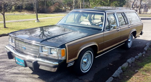 1991 Ford Country Squire Crown Victoria LTD Country Squire LX