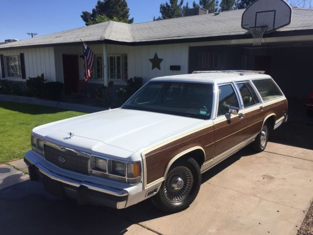 1991 Ford Country Squire Station Wagon LX LX