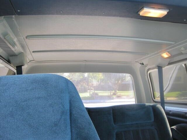 1991 White GMC Jimmy SUV with Blue interior