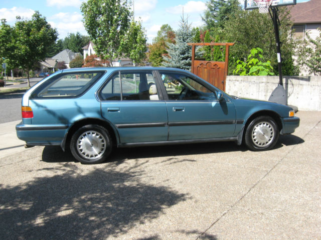 1991 Honda Accord EX Wagon 5-Door 2.2L for sale: photos, technical specifications, description