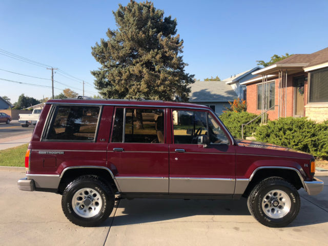 1991 Isuzu Trooper LS