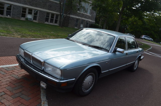 1991 Jaguar XJ 4dr Sedan Va