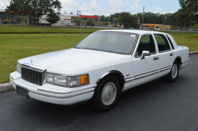 1991 Lincoln Town Car EXECUTIVE