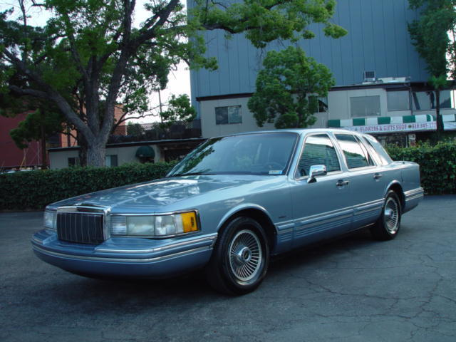 1991 lincoln town car executive clean vehicle with no reserve for sale photos technical. Black Bedroom Furniture Sets. Home Design Ideas