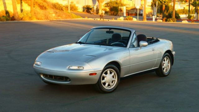 1991 Mazda MX-5 Miata Base Convertible 2-Door