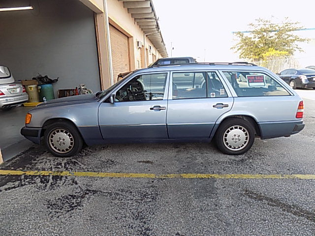 1991 Mercedes Benz 300TE Station Wagon 119642 One Owner Clean Interior