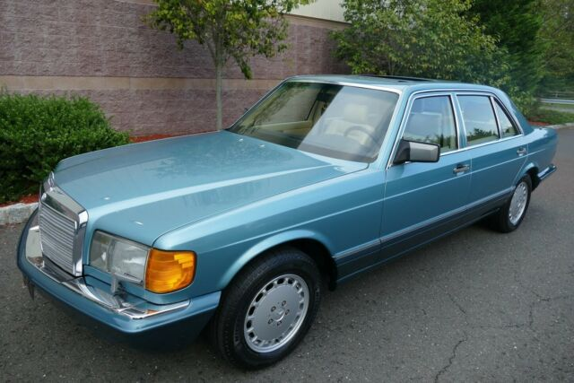 1991 Mercedes-Benz 500-Series 560SEL