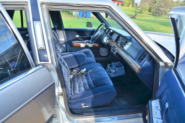 1991 mercury grand marquis new silver paint job with dark blue vinyl. Black Bedroom Furniture Sets. Home Design Ideas