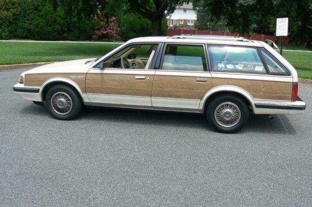1991 Oldsmobile Cutlass SL Station Wagon Woody Edition
