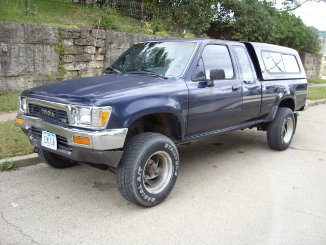 1991 Toyota 4x4 Extended Cab DLX pickup LOW MILES 110K & NO