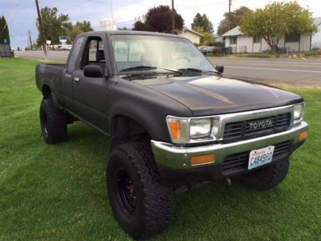 1991 toyota 4x4 pickup extra cab 4 cylinder 5 speed manual transmission for sale photos. Black Bedroom Furniture Sets. Home Design Ideas