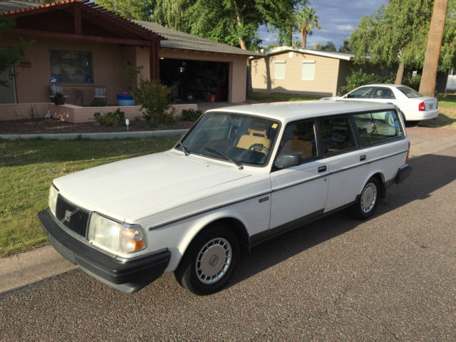Buy used 1991 Volvo 240 SE Wagon 4-Door 2.3L NO RESERVE in ...   1991 Volvo 240 Wagon