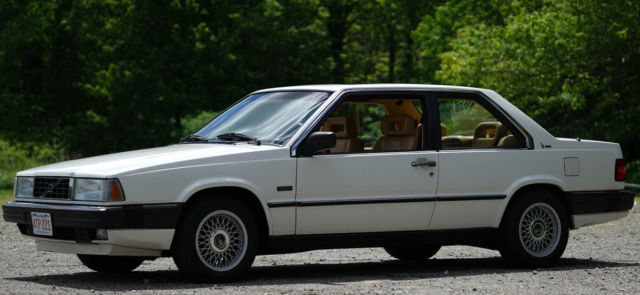 1991 White Volvo Coupe 780 Coupe with Tan interior