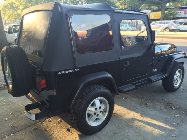 1991 Jeep Wrangler 2dr BASE