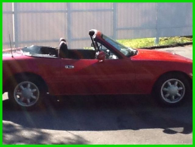 1992 Mazda MX-5 Miata Base 2dr Convertible