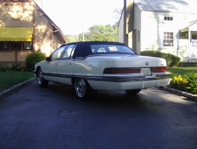 1992 buick roadmaster owned by same family since new for sale photos technical specifications description 1992 buick roadmaster owned by same family since new for sale photos technical specifications description
