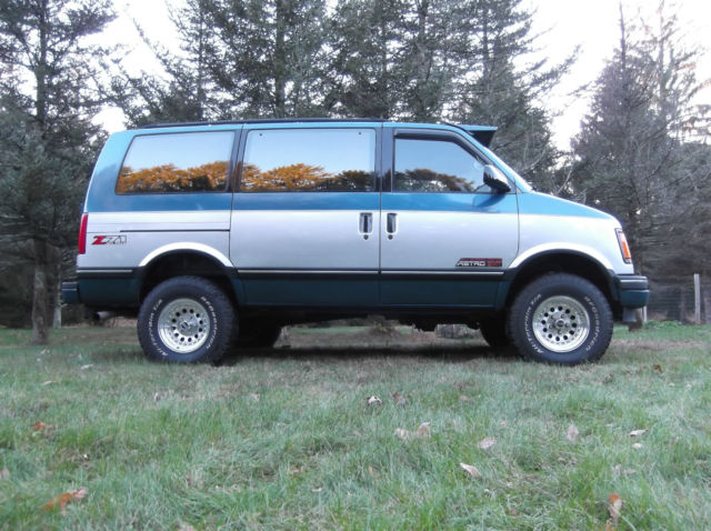 1992 chevrolet astro van 4x4 for sale photos technical specifications description. Black Bedroom Furniture Sets. Home Design Ideas