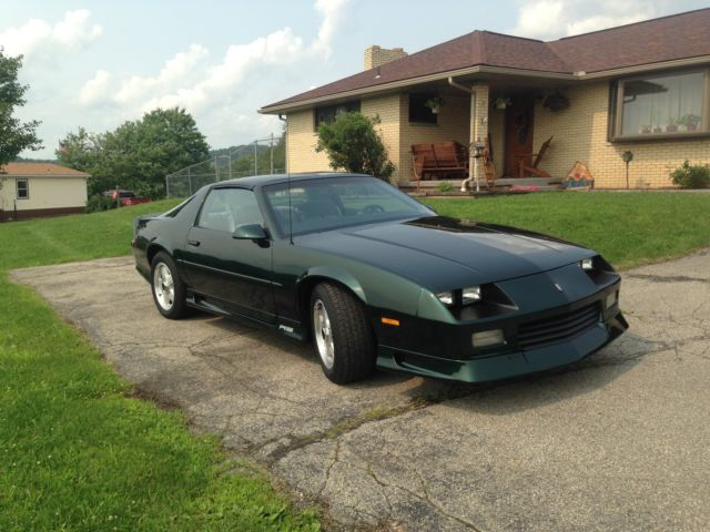1992 Chevy Camaro 25th Anniversary Edition for sale: photos