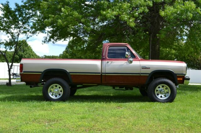 1992 Dodge Other Pickups LE