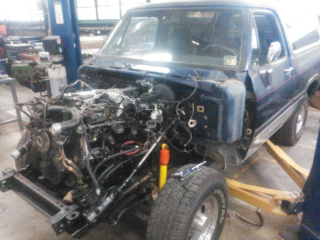 1992 Blue Dodge Ramcharger SUV with Gray interior