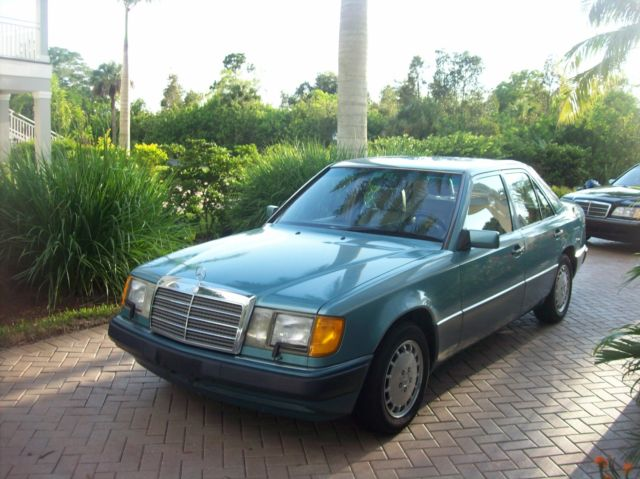 1992 Mercedes-Benz 300-Series E300