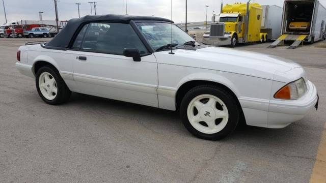 1992 Ford Mustang LX 2dr Convertible