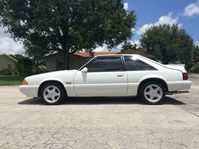 1992 Ford Mustang LX Hatchback 50L Foxbody  Clean  1 Owner