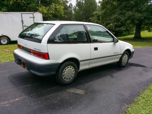1992 Geo Metro base model hatchback 2-door for sale ...