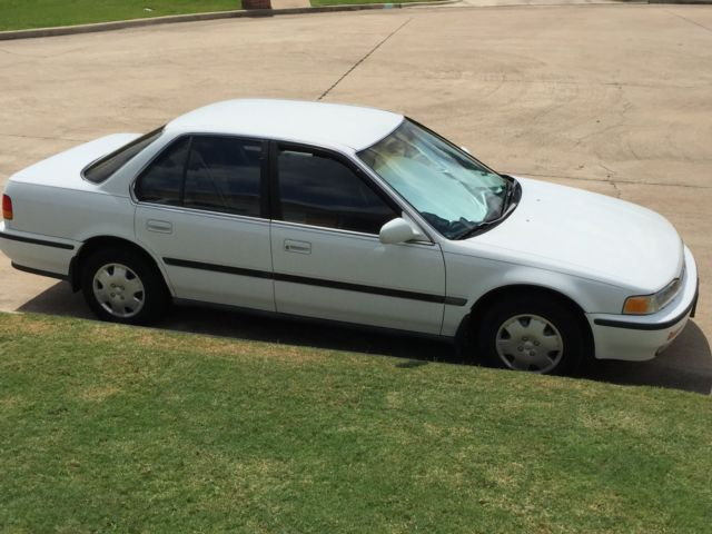 1992 honda accord lx white 163200 miles 4 door sedan for sale photos technical specifications. Black Bedroom Furniture Sets. Home Design Ideas
