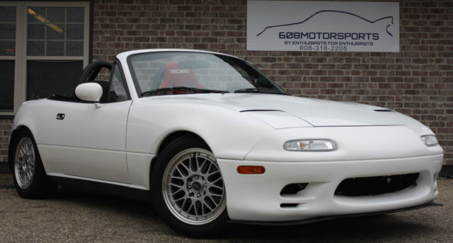 1992 Mazda MX-5 Miata Base 2dr Convertible Convertible 2-Door I4 1.6L