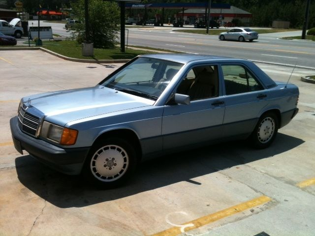 1992 mercedes benz 190e 2 6 4dr sedan blue selling as a