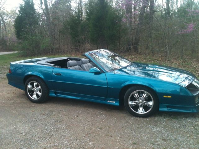 1992 z28 camaro convertible 25th anniversery for sale photos technical specifications description. Black Bedroom Furniture Sets. Home Design Ideas