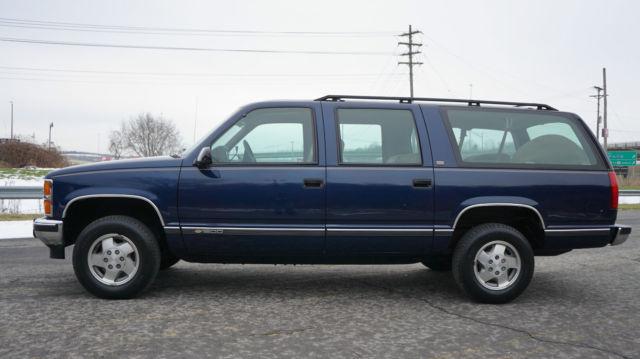 1993 Chevrolet Chevy Suburban 1500 4x4 Silverado Package