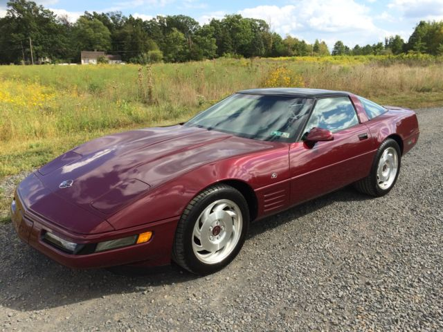 1993 Chevrolet Corvette  Corvette Coupe 40th Anniversary Edition*17k Mile