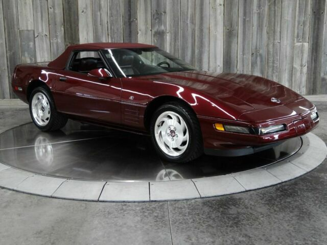 1993 Red Chevrolet Corvette Only 933 Original Miles. Convertible 40th Ann. 40TH ANNIVERSARY with Red interior