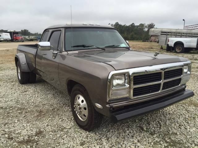 1993 dodge ram 3500 diesel for sale photos technical specifications description. Black Bedroom Furniture Sets. Home Design Ideas