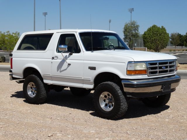 1993 Ford Bronco 1993 XLT 5.8L V8 + Lift Kit + Fully RESTORED! 4x4 LOW MILES