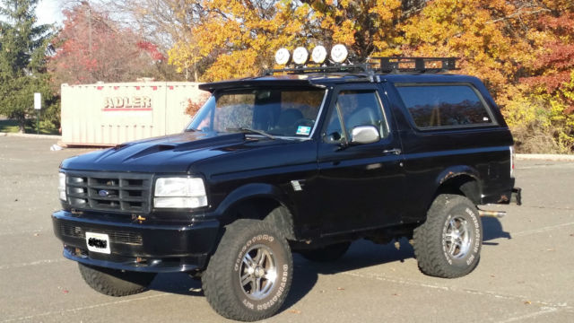 1993 Ford Bronco XLT Custom Sport