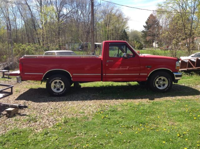 1993 Ford F-150 Standard Cab Pickup 2-Door