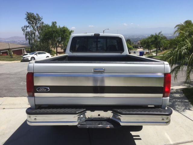 1993 White Ford F-250 Long bed truck with Gray interior
