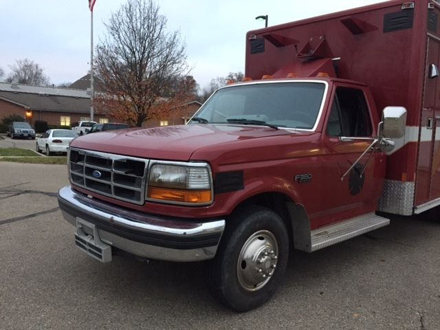 1993 Ford F-350 XLT Standard Cab Pickup 2-Door