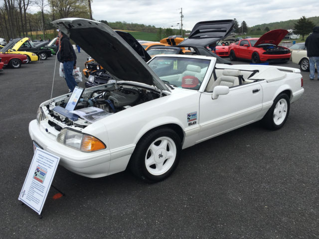 1993 Ford Mustang Feature