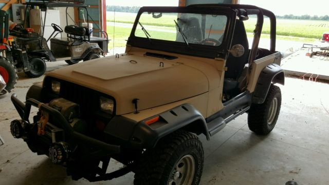 1993 jeep wrangler yj 2 door 4 0l rough country lift for sale photos technical specifications. Black Bedroom Furniture Sets. Home Design Ideas