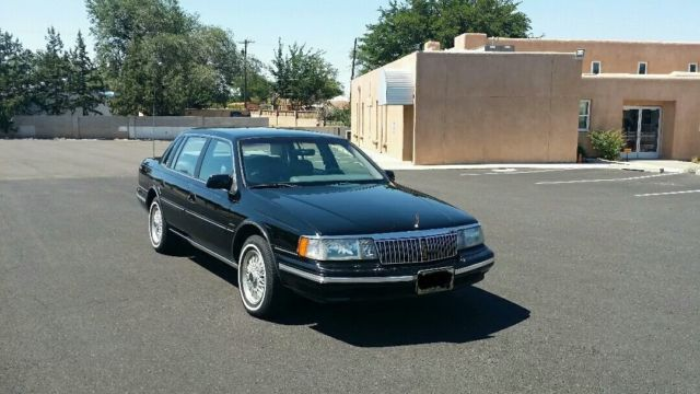 1993 Lincoln Continental Signature Series