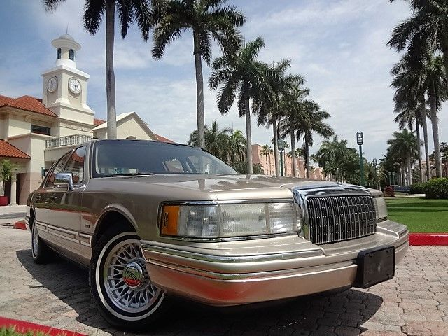 1993 Lincoln Town Car 4dr Sedan Ex